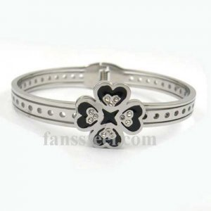 FSPRB37 crystal inlay four hearts link hearts love BANGLE sprinGs set can be opened