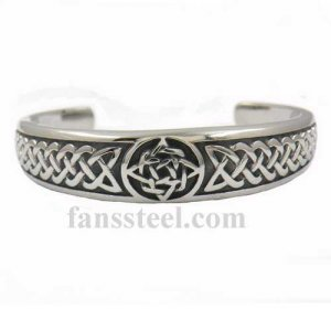 FSB00W60 celtic knot bangle