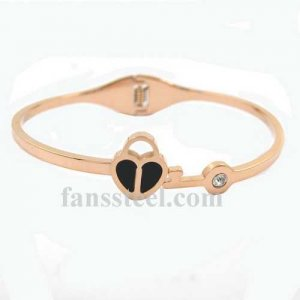 FSPRB19 crystal inlay heart love BANGLE springs set can be opened